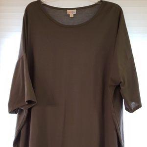 Gently used. Size 3xl Lularoe irma tunic